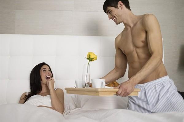 Si do ta zgjonit te dashuren/in nga gjumi? I19711_coppiacolazionealetto600x398